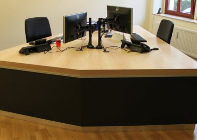 büro9 400x284 - Büromöbel
